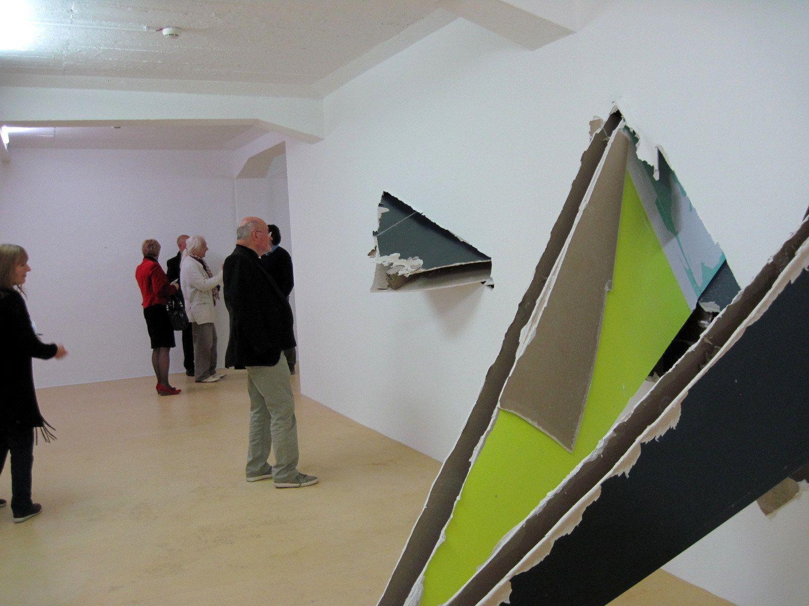 Felix Schramms Skulpturen erinnern an Tranchierarbeiten