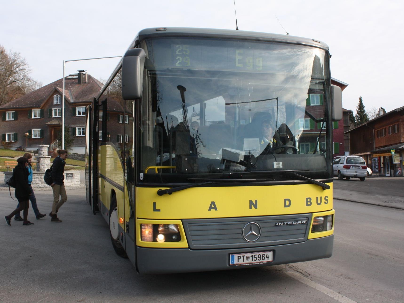 Zahlreiche Optimierungen wurden in den neuen Landbus-Fahrplan eingearbeitet.