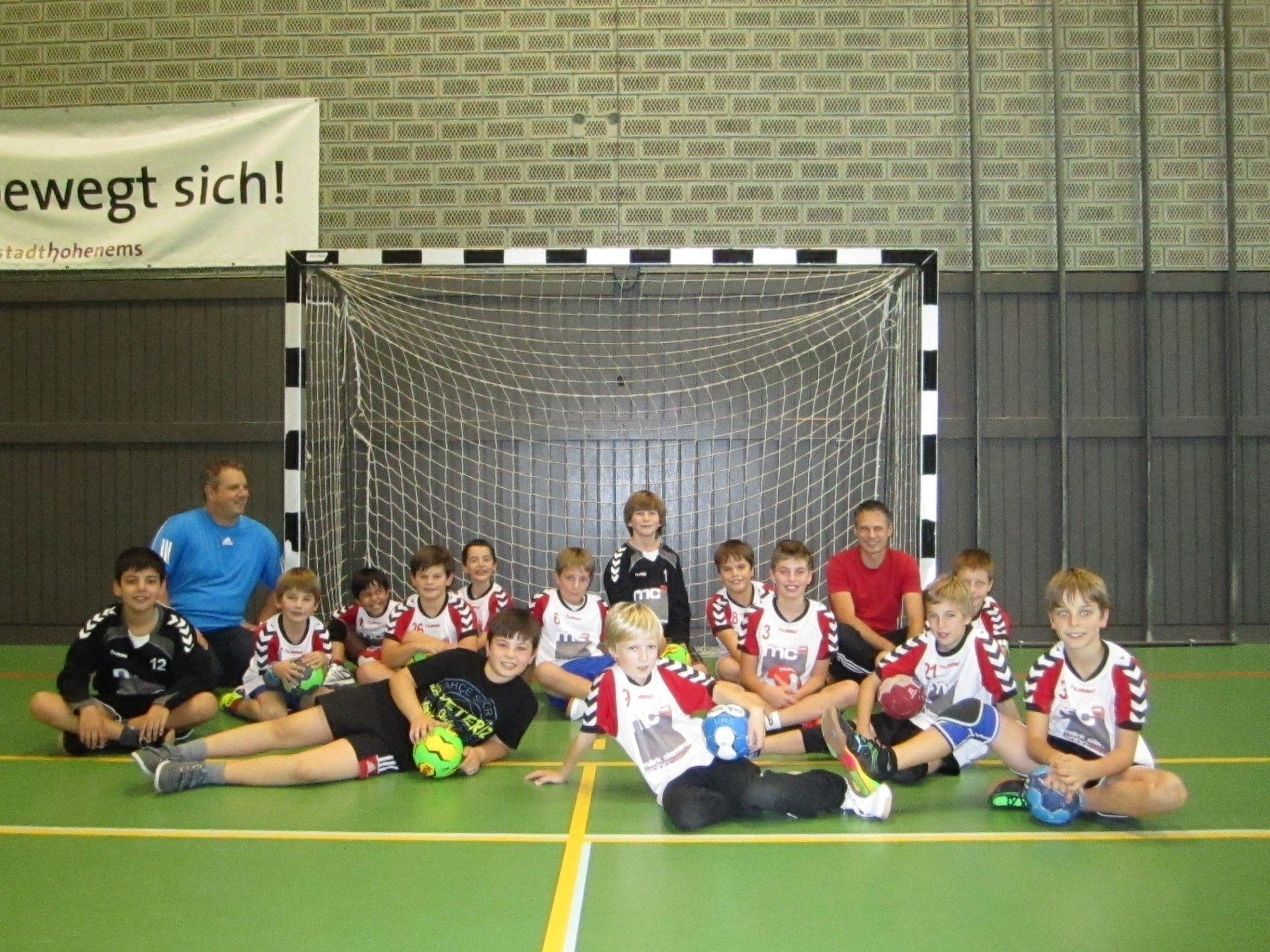 """Die U10 Mannschaft des Handballclubs """"Tectum"""" hat Spaß am Training"""