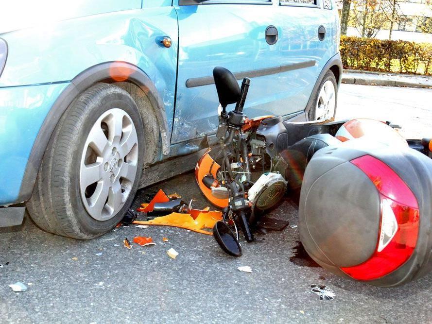 Wolfurt: Unfall auf der Wälderstraße forderte einen Verletzten.