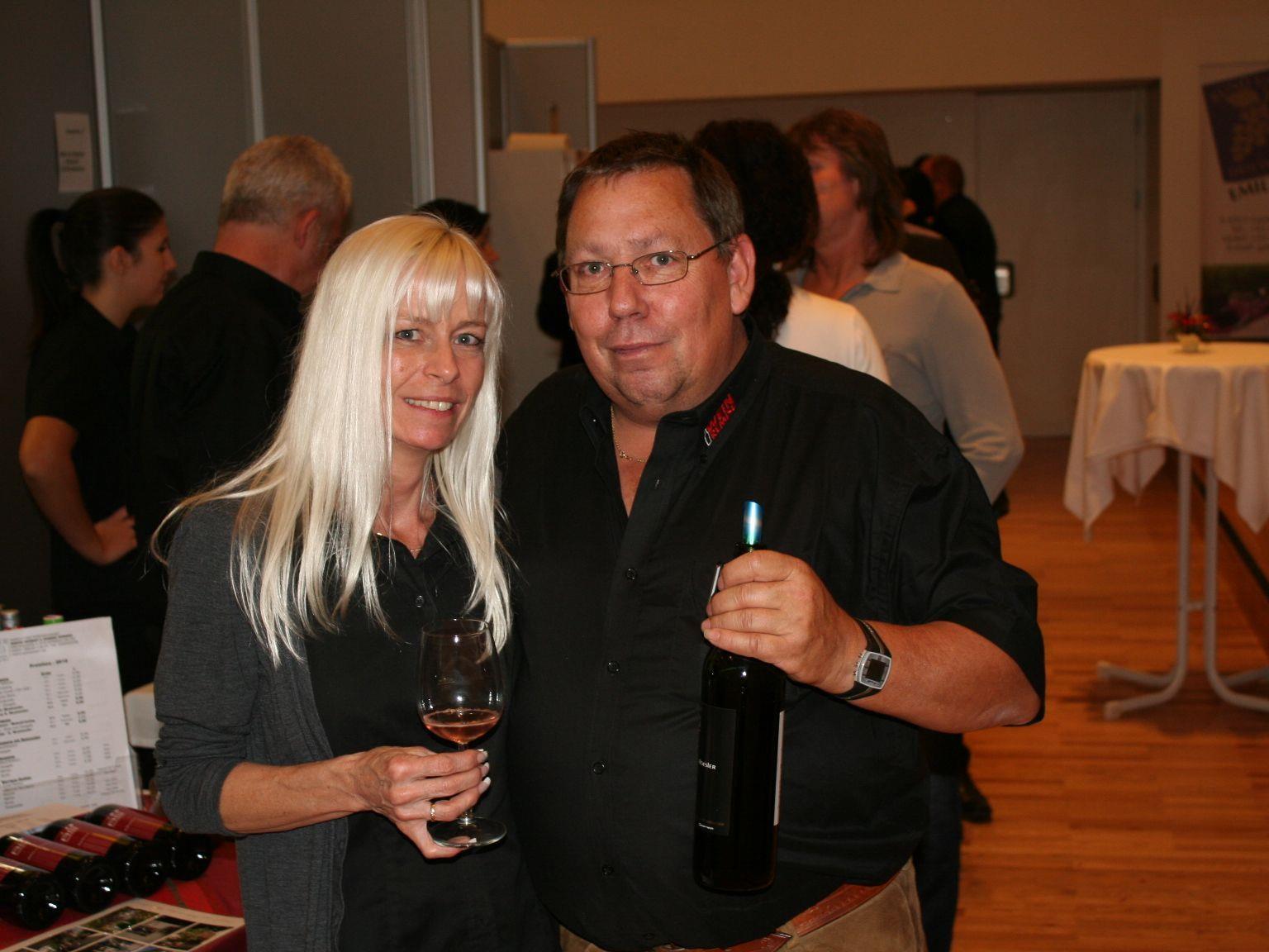 Christine und Helmut Winkler (Weinremise) freuten sich über die positive Resonanz auf d. 1. Weinmesse
