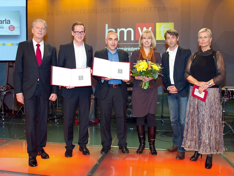 v.li..: Bundesminister Reinhold Mitterlehner (BMWFJ), Martin Dechant (ikp Vorarlberg), Bernd Wachter (Caritas Österreich), Heidi Dolensky (Caritas Vorarlberg), Claudio Tedeschi (Caritas Vorarlberg), Ingrid Vogl (PRVA-Präsidentin).
