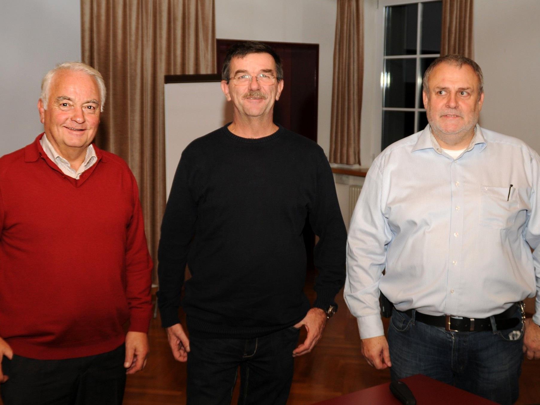 Edi Ortner vom Höchster Seniorenrat mit Herbert Humpeler und Harald Longhi von der Polizei