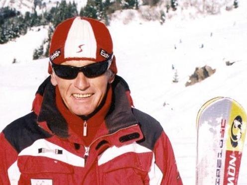 Kurt Schäfer hat seine Brettl für die 60. Wintersaison bereits wieder startklar gemacht.