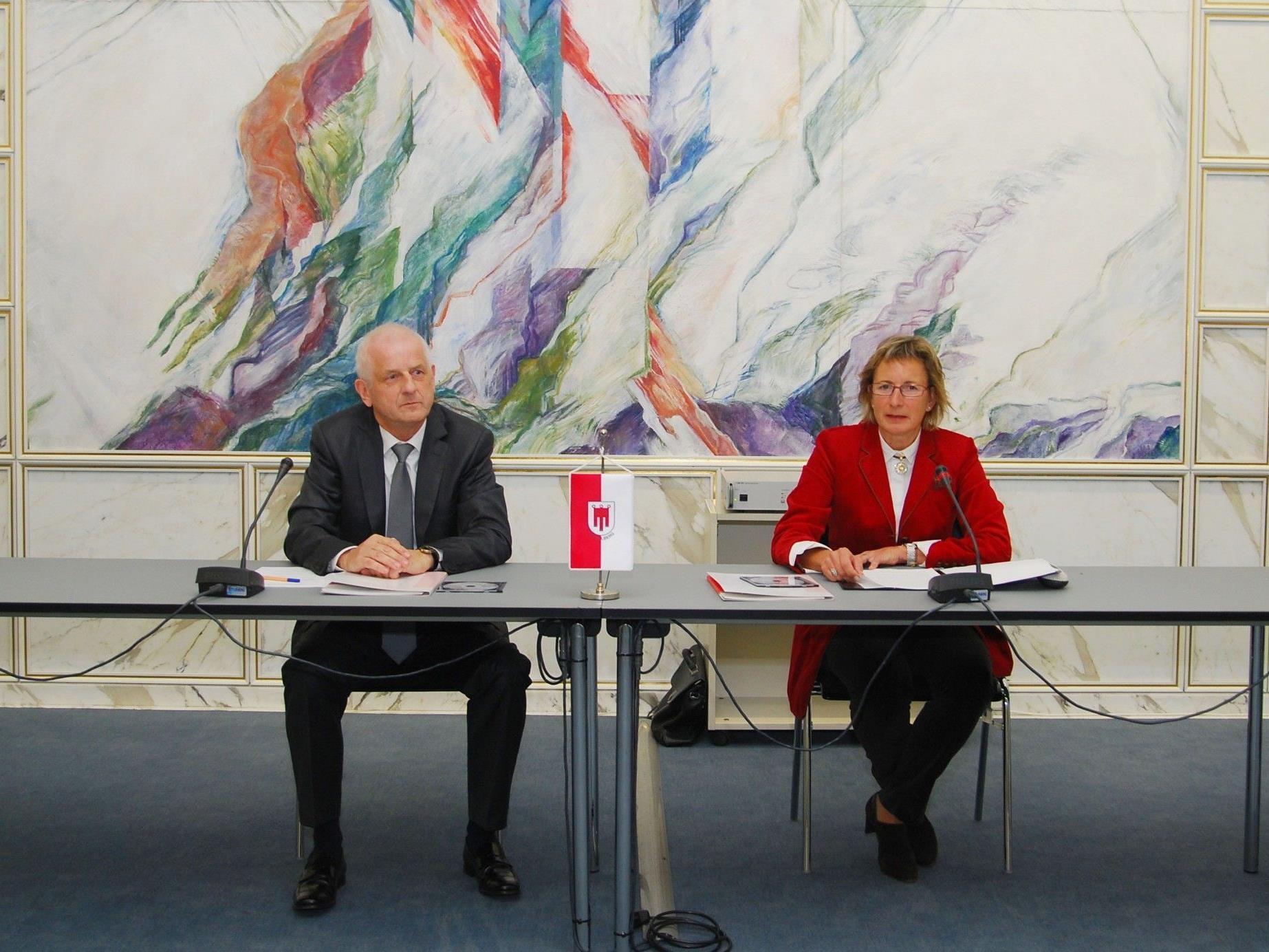 LRH-Direktor Herbert Schmalhardt und Landtagspräsidentin Gabriele Nußbaumer.