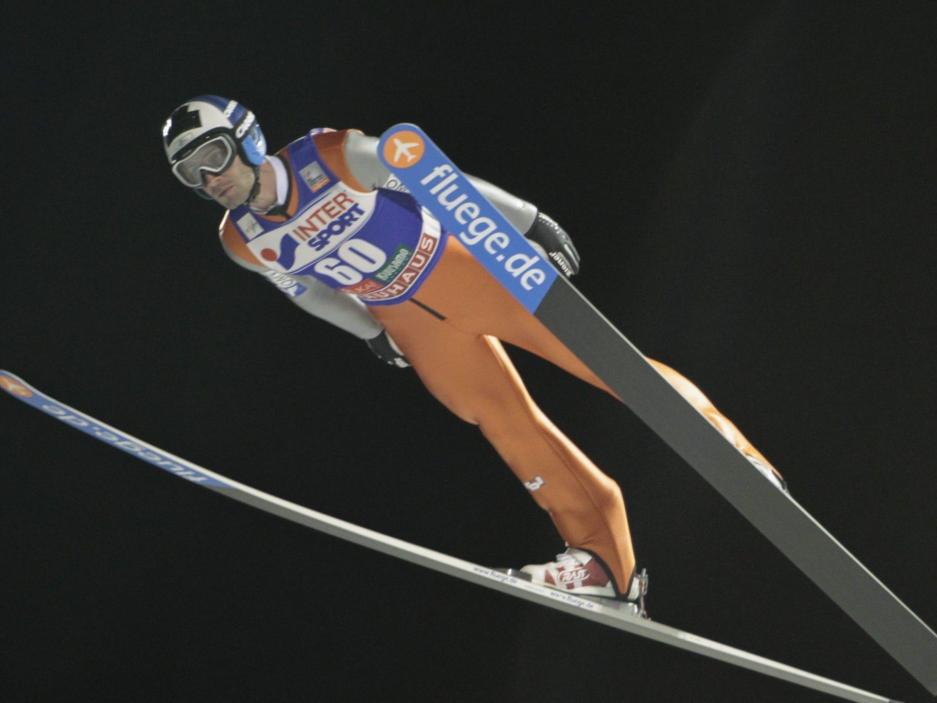 Wolfgang Loitzl steht in der ÖSV-Mannschaft für das Teamspringen in Kuusamo.