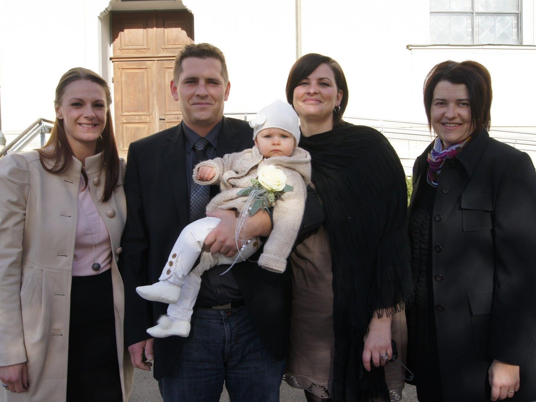 Mia Margret Hagspiel empfing in der Kapelle Hatlerdorf das Sakrament der Taufe.