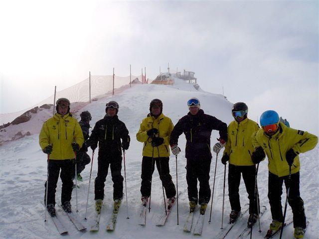 Maximilian, Andreas, Günther, Alexander, Matthias und Markus sind fit für die neue Skisaison!