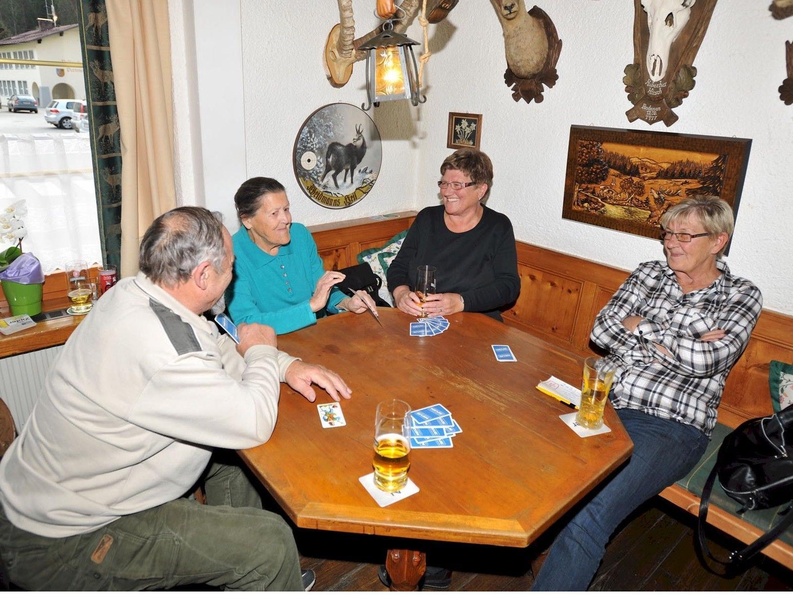 Das traditionelle Preisjassen im Partenerhof erfreut sich großer Beliebtheit.
