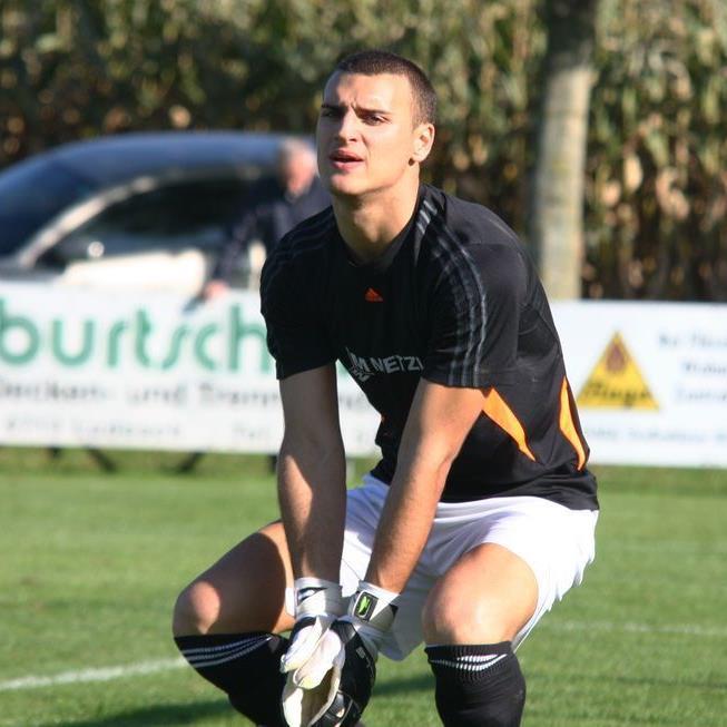 Brederis Goalie Dominic Hehle spielt eine unglaublich starke Herbstsaison und träumt vom Halbzeittitel.