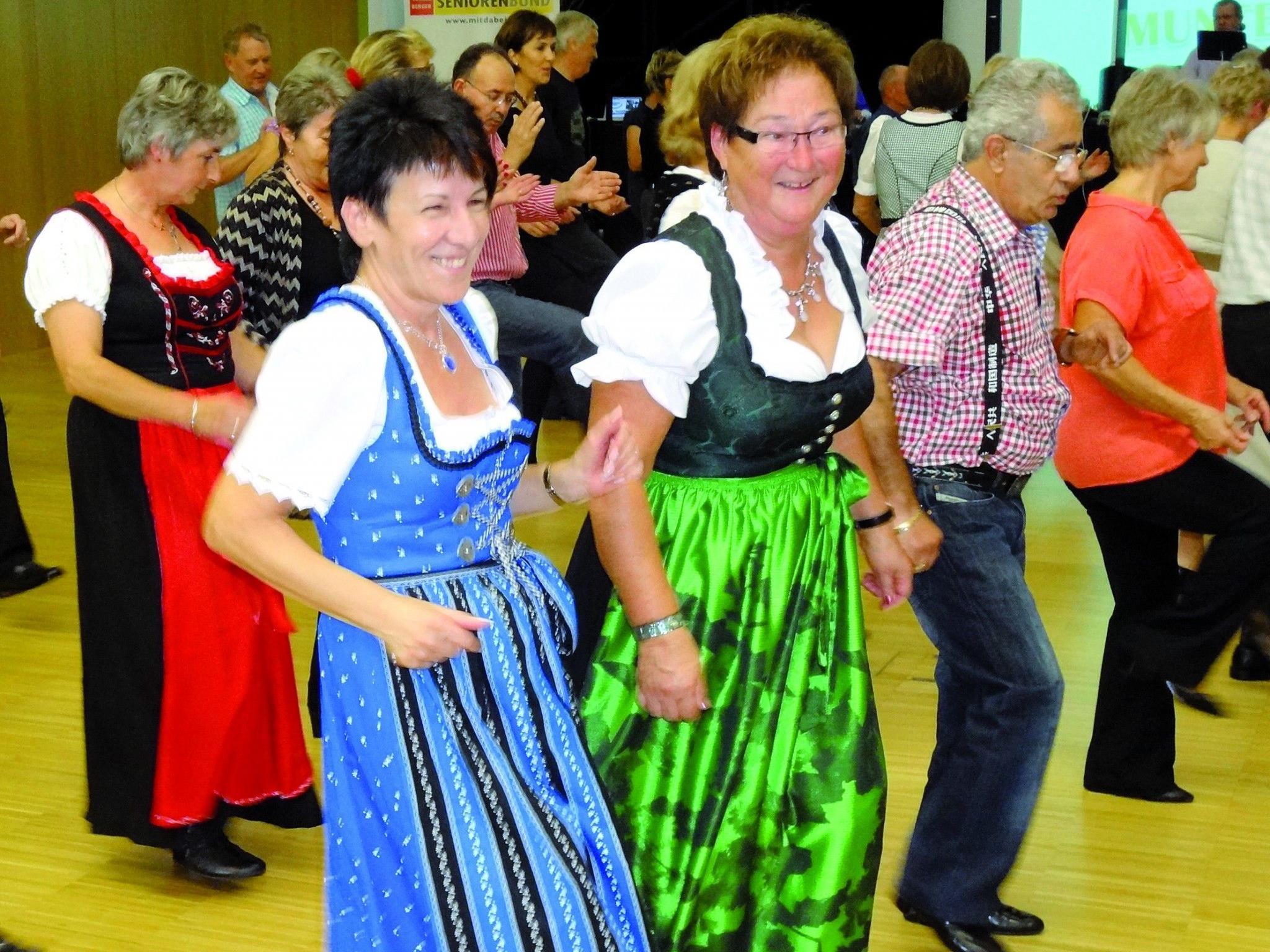 Viel Spaß und gute Unterhaltung haben die Tanzfreunde beim ´s Ländle tanzt in Koblach