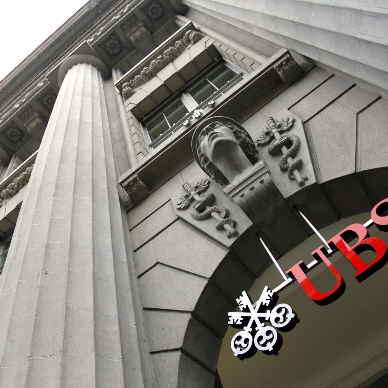 Etliche Schweizer Banker mit weichen Knien.