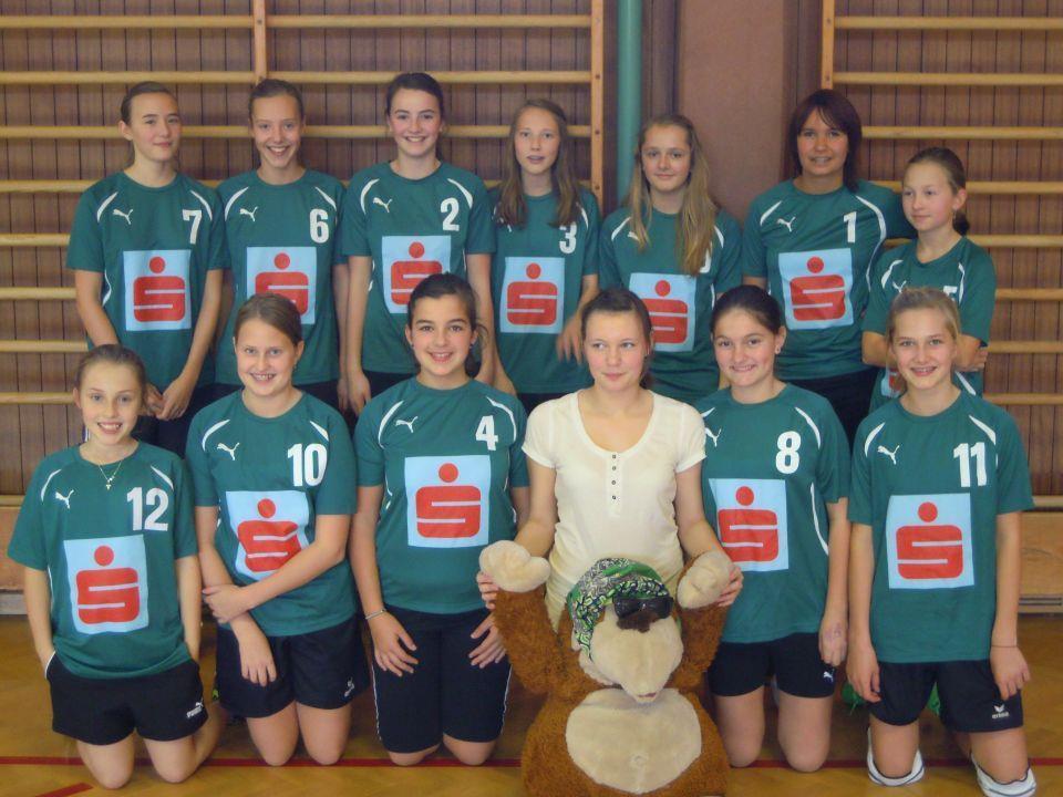 Die Volleyballerinnen der VMS Au schafften am ersten Spieltag zwei Siege