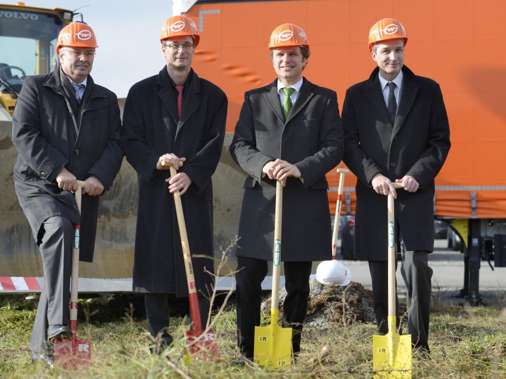 Am Montag erfolgte der Spatenstich zur neuen Weiss-Firmenzentrale in Lauterach.