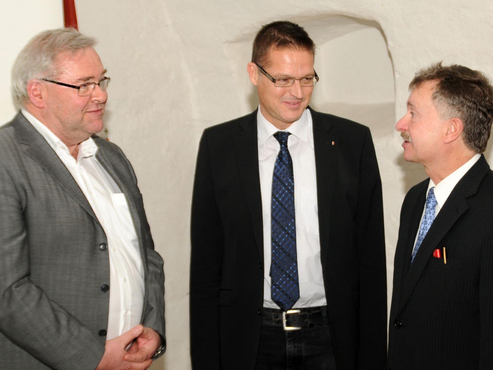 Chefarzt Dr. Thomas Spiegel, LR Dr. Christian Bernhard und Univ.-Prof. Dr. Heinz Drexel
