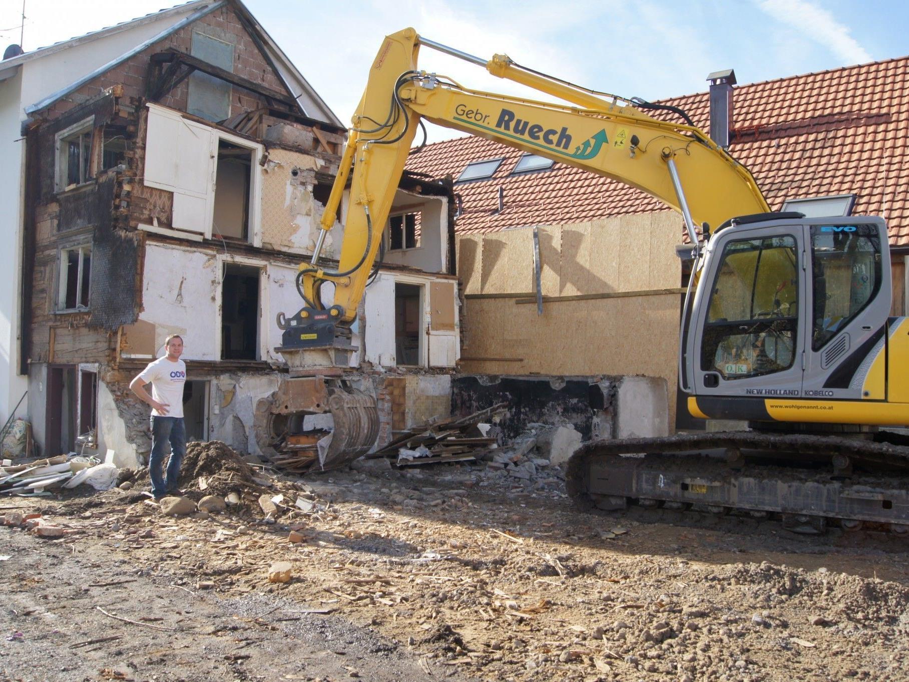 Am Freitag wurde das alte Haus an der Hinteren Achmühlerstraße abgebrochen.