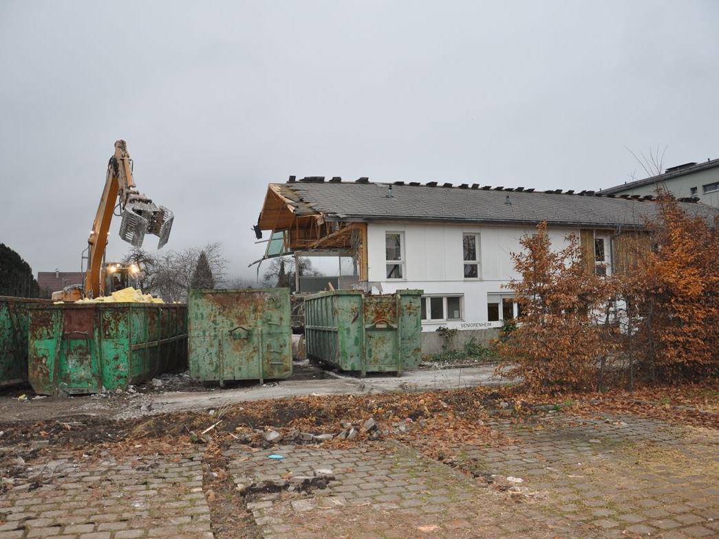 Das ehemalige Seniorenheim Lauterach wird derzeit abgebrochen.