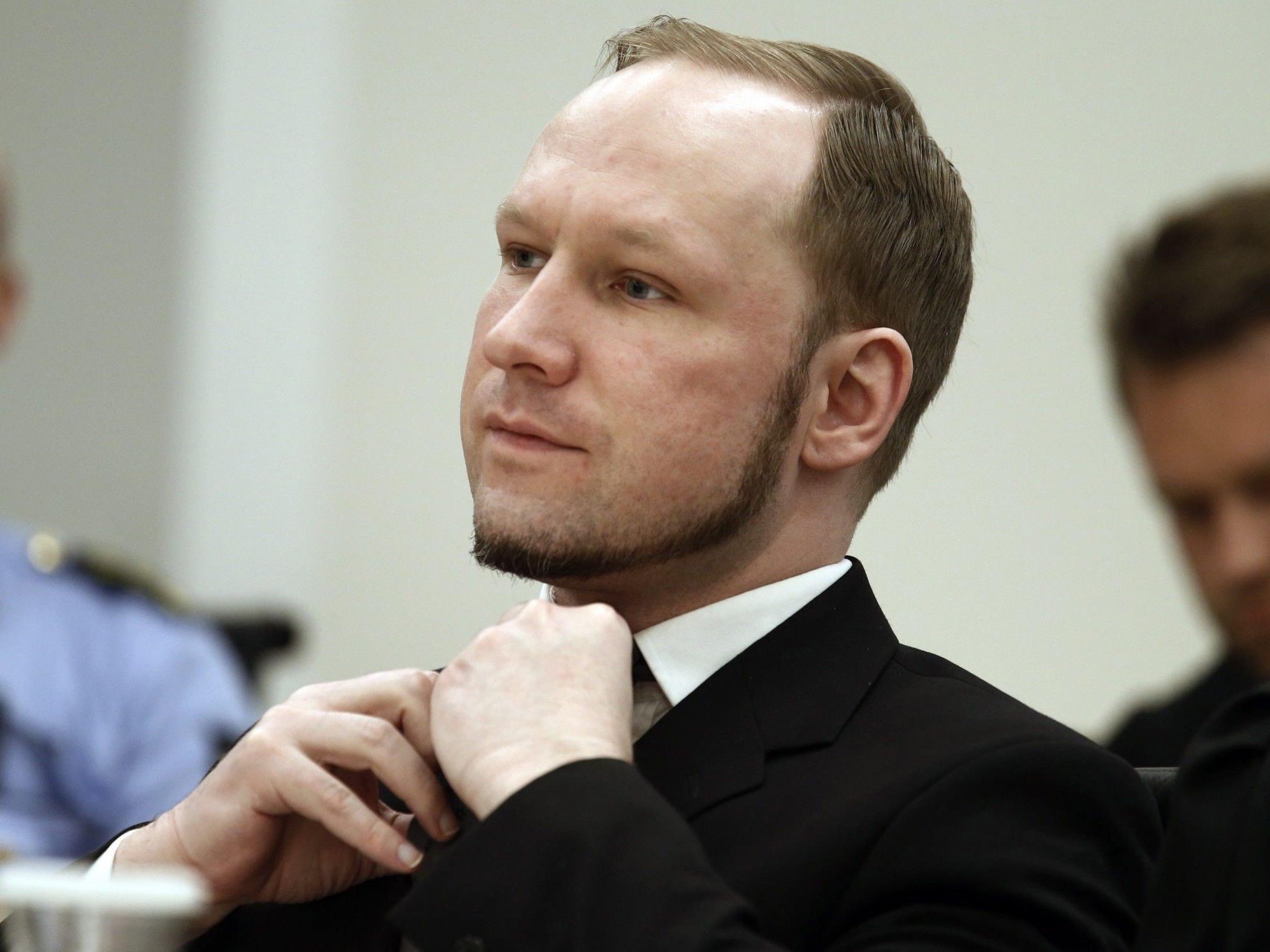 Breivik verbüßt für die Anschläge von Oslo und Utöy 21 Jahre Haft.