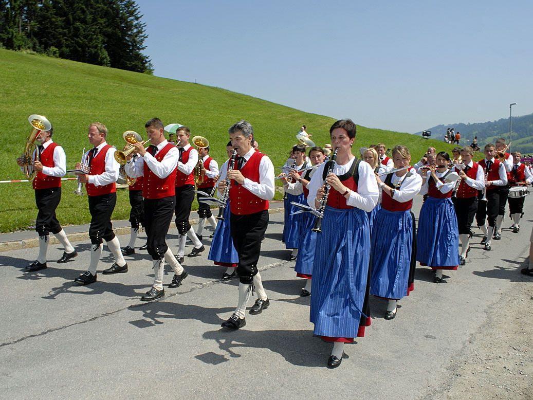 Trachtenkapelle Gantschier beim Bregenzerwälder Bezirksmusikfest 2012 in Krumbach