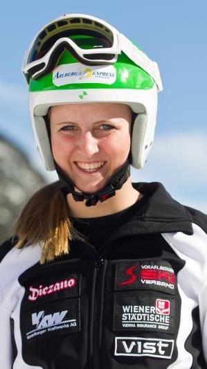 Nina Ortlieb wurde Dritte und Vierte bei FIS-Super-G in Frankreich.