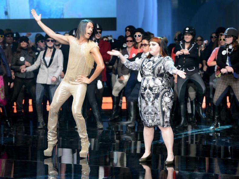 """Gossip-Sängerin Beth Ditto tanzte bei """"Wetten, dass...?"""" den """"Gangnam Style""""."""