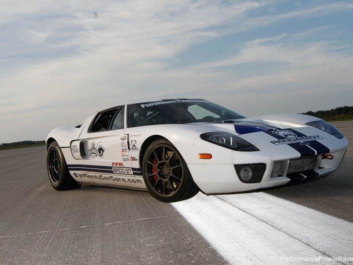 Über 455 km/h auf eine Meile. Das schafft nur dieser Ford GT