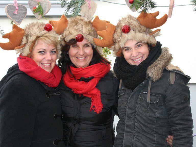 Hobbykünstlerinnen Kerstin, Helene und Iris verkauften Deko aus Naturmaterialien