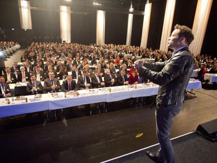 """Der """"deutsche James Bond"""" begeisterte die Teilnehmer."""