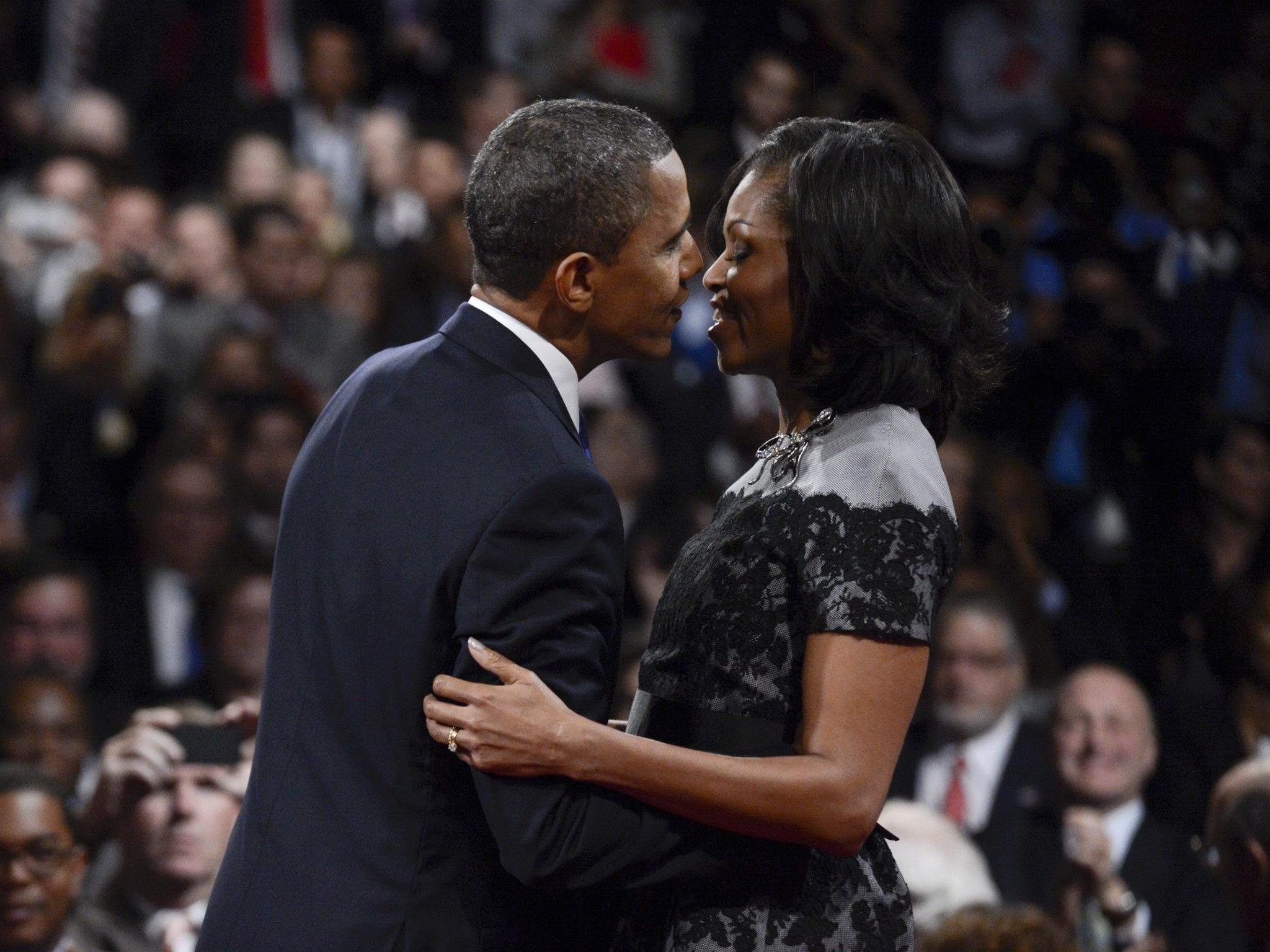 Die gegenwärtige First Lady, Michelle Obama, reist als Wählkämpferin ihres Mannes durchs Land.