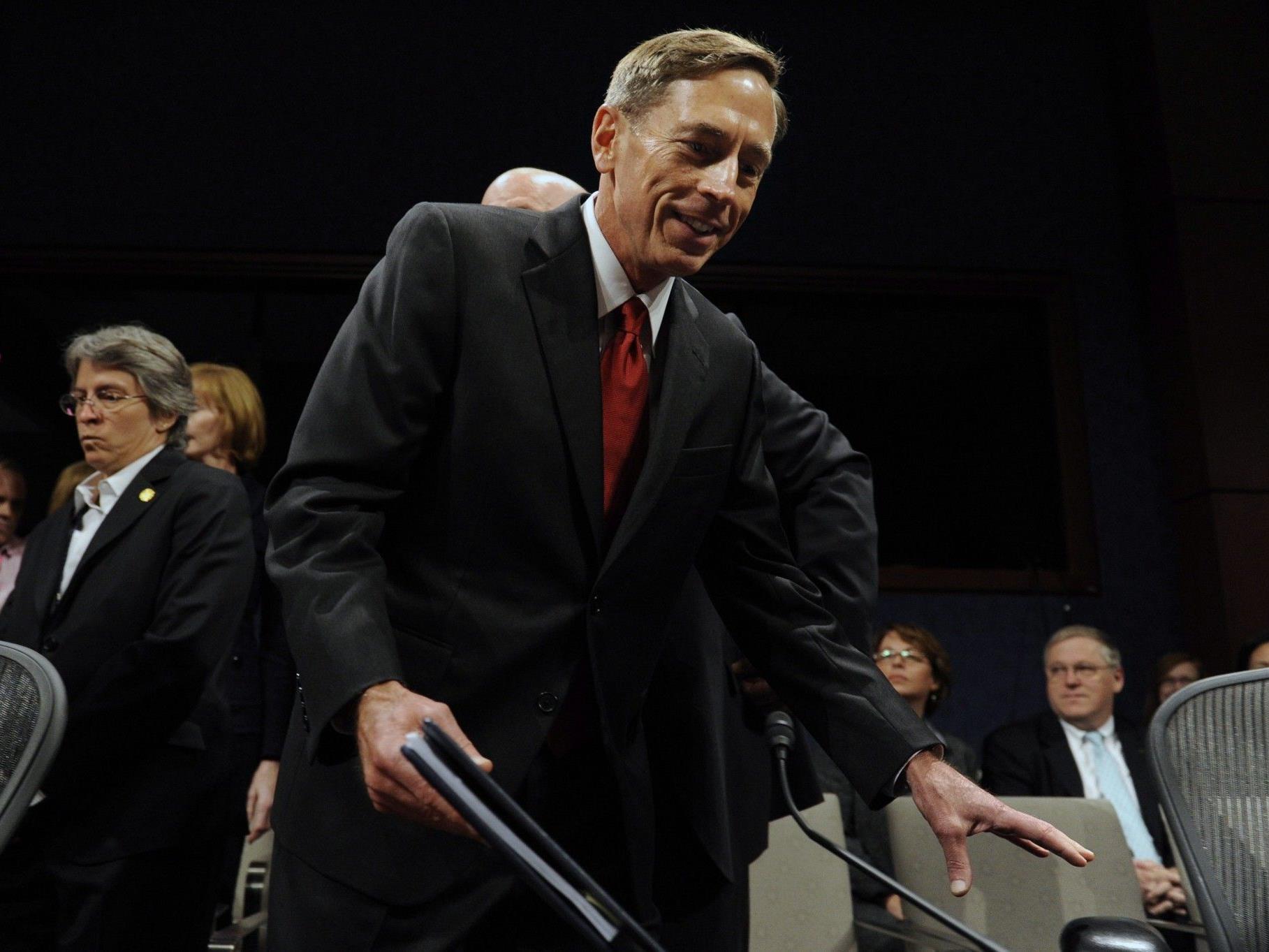 """""""General-Wunderkind"""" Petraeus stolpert über eine Sexaffäre."""
