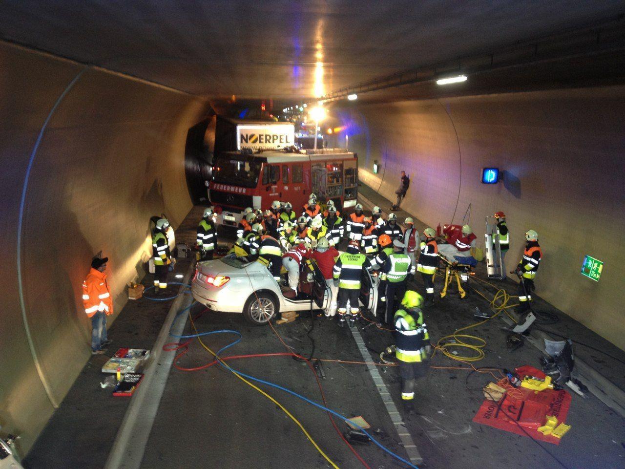 Der Pfändertunnel musste nach dem schweren Unfall gesperrt werden.