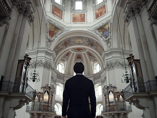 Der Österreicher widmete dem berühmtesten österreichischen Weihnachtslied einen Film.