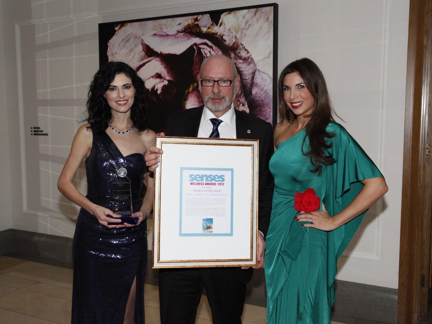 Der Frastanzer Günther W. Amann erhielt in London den Senses Life Time Award 2012 überreicht.
