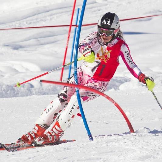 Die Hohenemserin Pia Schmid wurde beim FIS-Riesentorlauf in Italien ausgezeichnete Zweite.