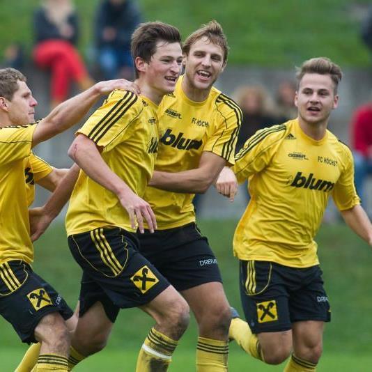 FC Höchst jubelt über den Halbzeittitel und im Frühjahr sind die Alge Schützlinge der große Gejagte