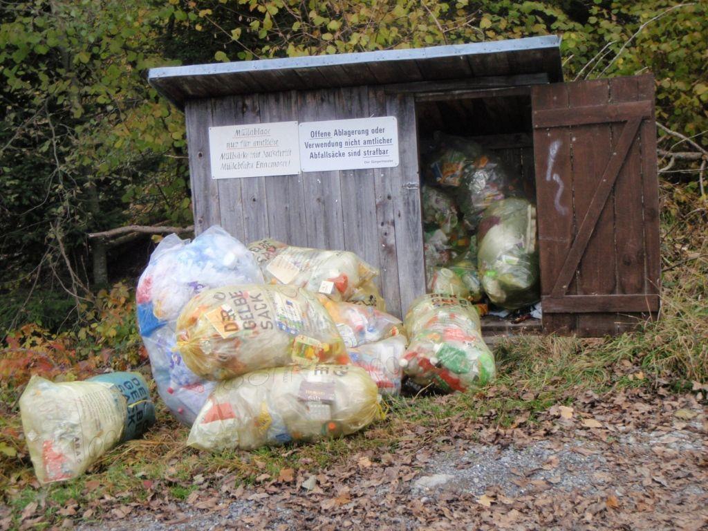 Müllhütte in Egg