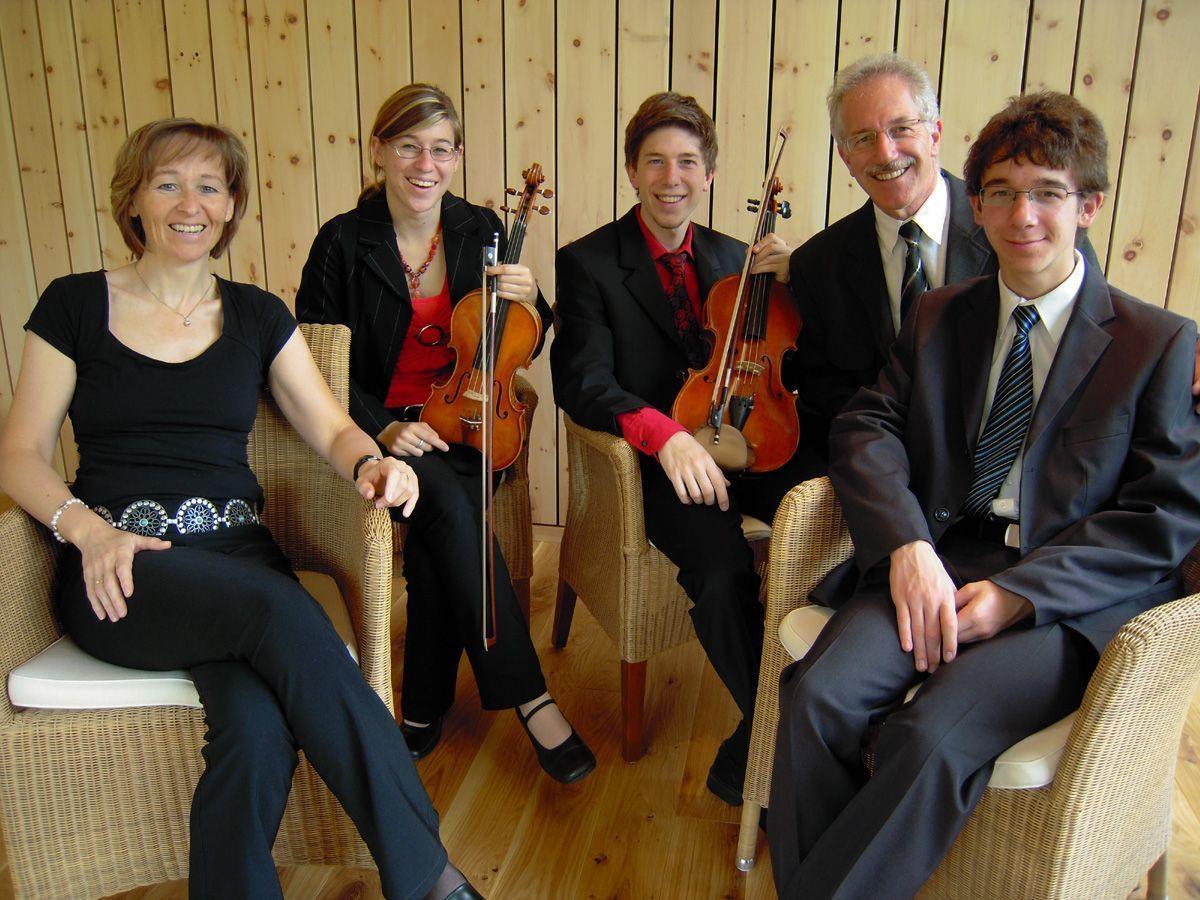 """Die Musikerfamilie Breuss eröffnet den Konzertreigen """"Montafoner Winterzauber""""."""