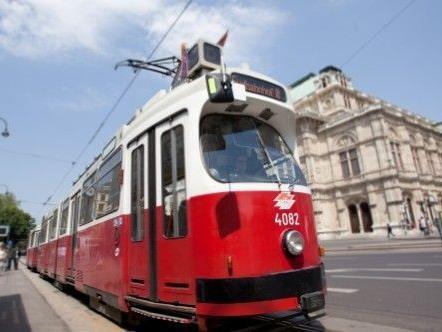 Am Mittwoch kollidierte eine Straßenbahn mit einem Lkw in Wien-Döbling.