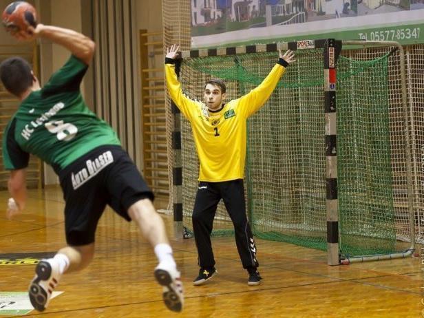 HC Lustenau gewinnt das Nachbarschaftsduell gegen Dornbirn mit elf Toren Differenz.