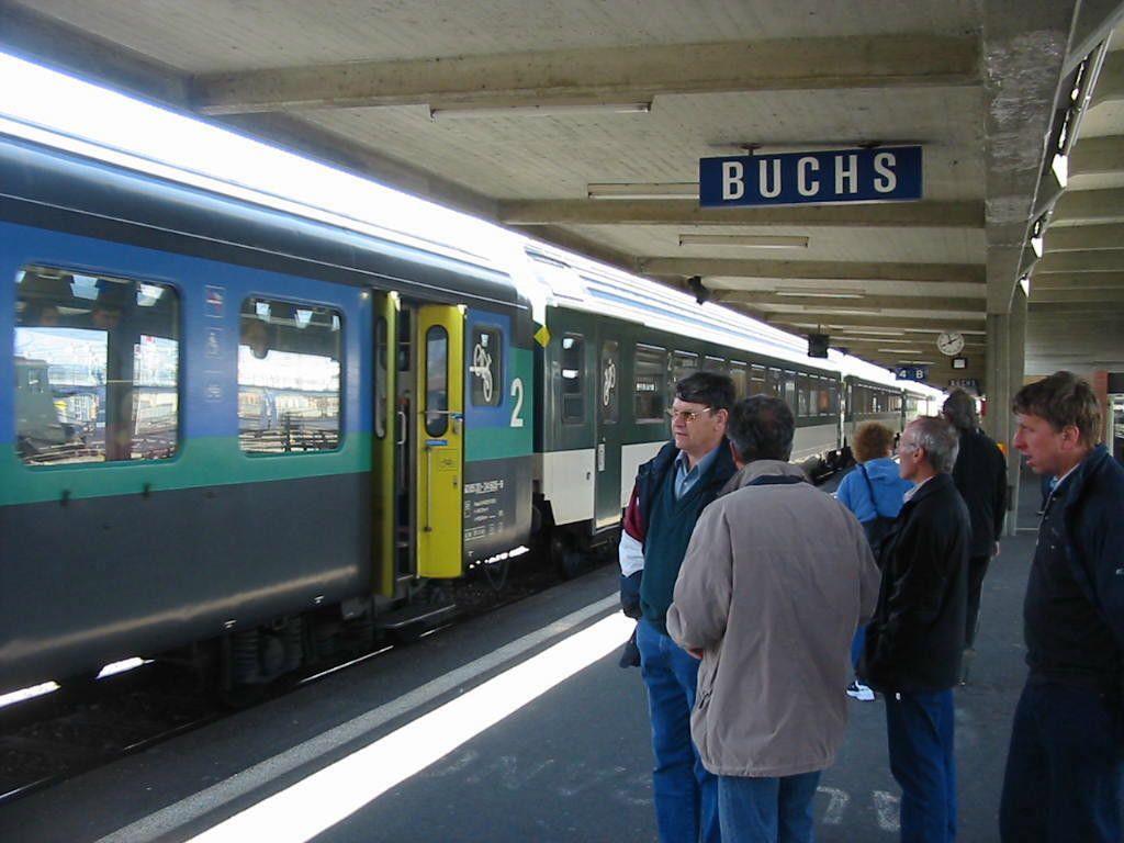 """Mit einer sogenannten """"Energiestraße"""" am Bahnhof Buchs sollen die Schritte der Passanten in elektrische Energie umgewandelt werden."""