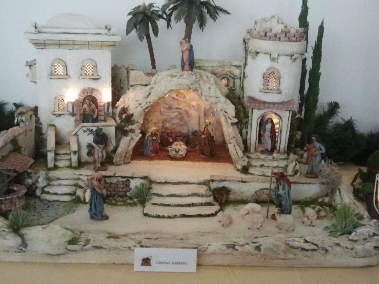 Wunderschöne Exponate schmückten die Räumlichkeiten des Salvatorkollegs