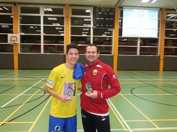 Wolfgang Ott (r.) wurde zum besten Goalie gewählt, Sefa Gaye (l.) erhielt die Auszeichnung bester Spieler.