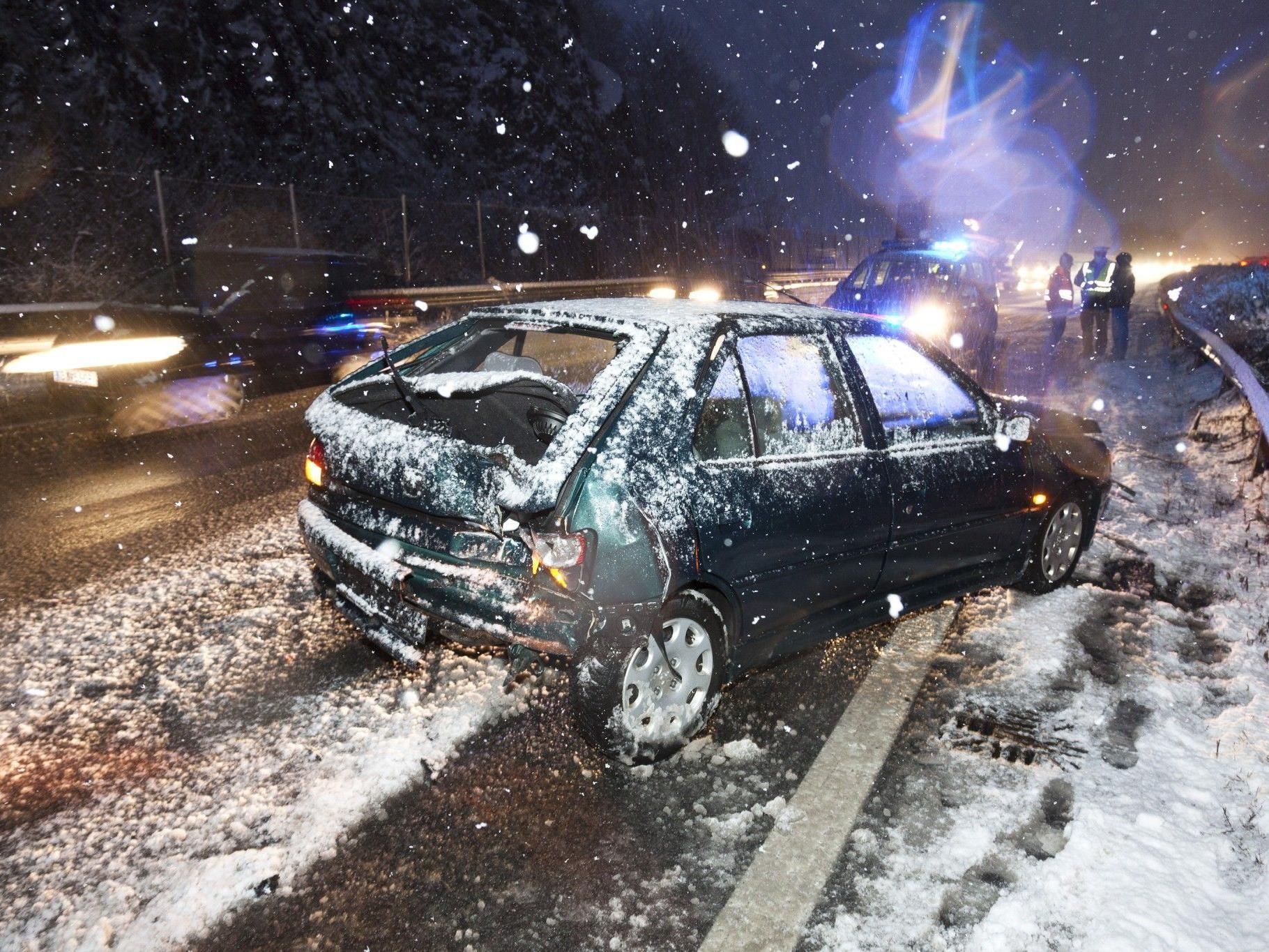 Unfall bei Götzis: Drei Personen wurden leicht verletzt.