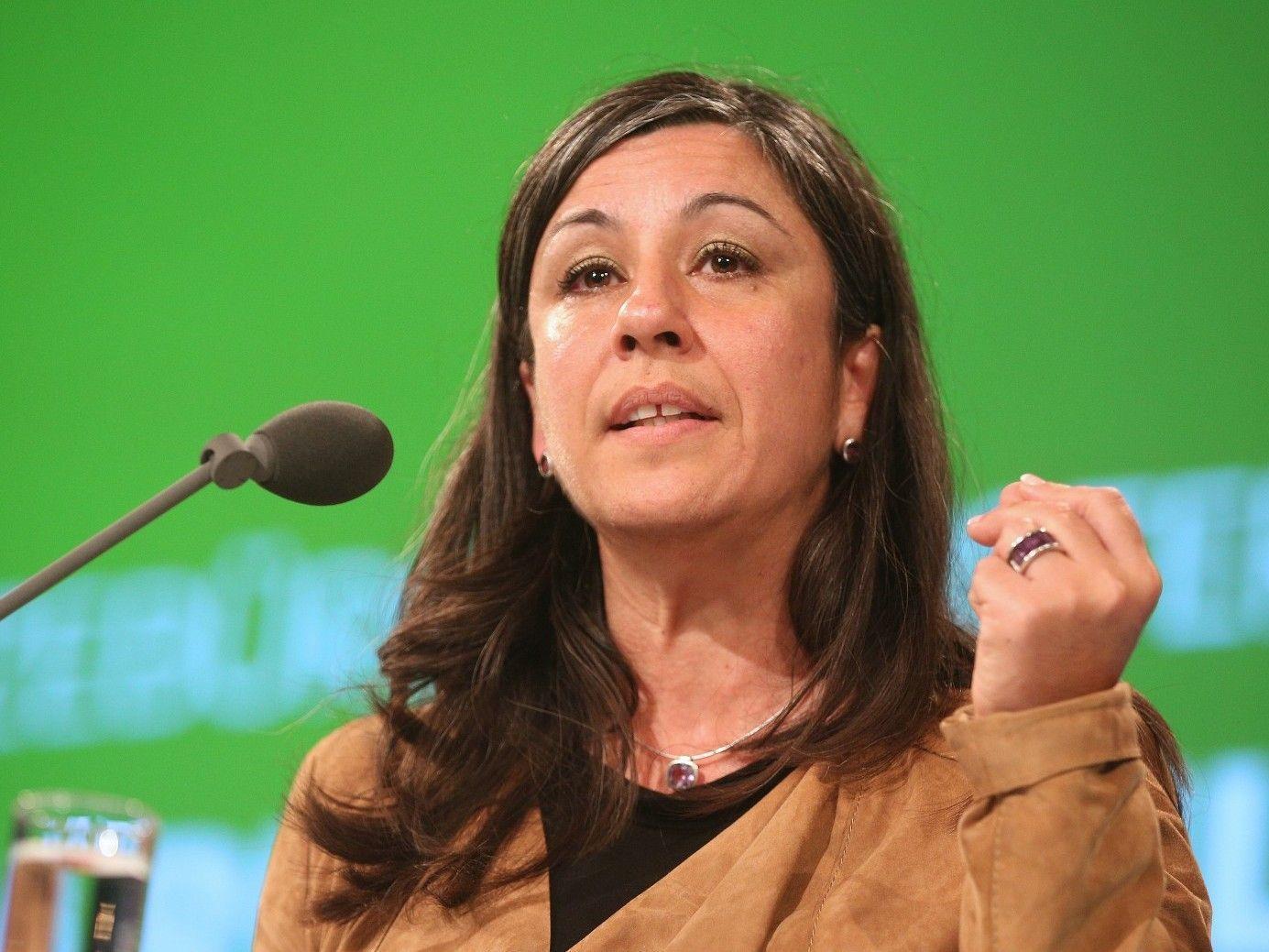 """Maria Vassilakou ist erfreut über die Einführung des """"Öffi-Jobtickets""""."""