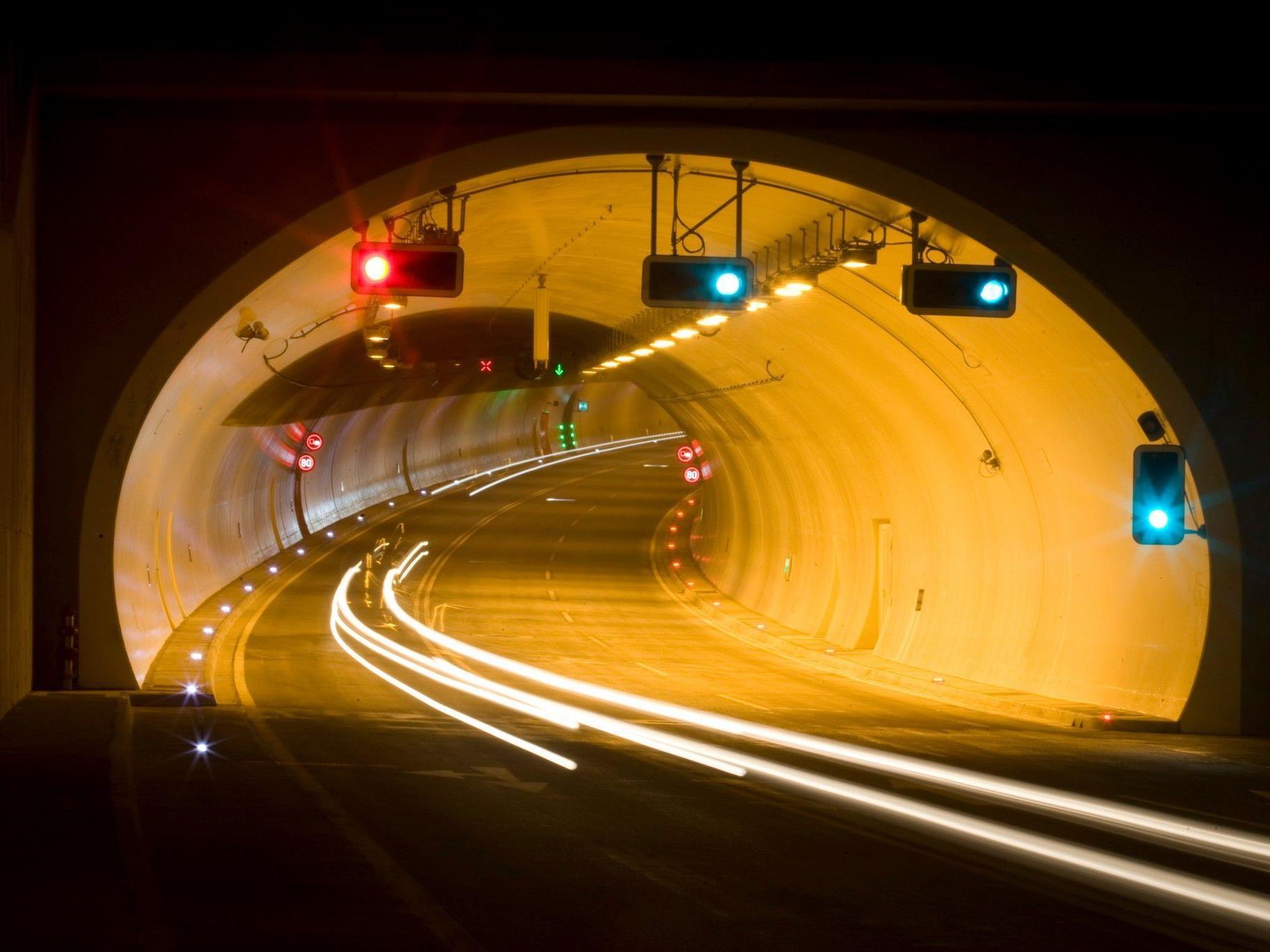Der Achraintunnel wurde nach dem Unfall für fünf Stunden gesperrt.