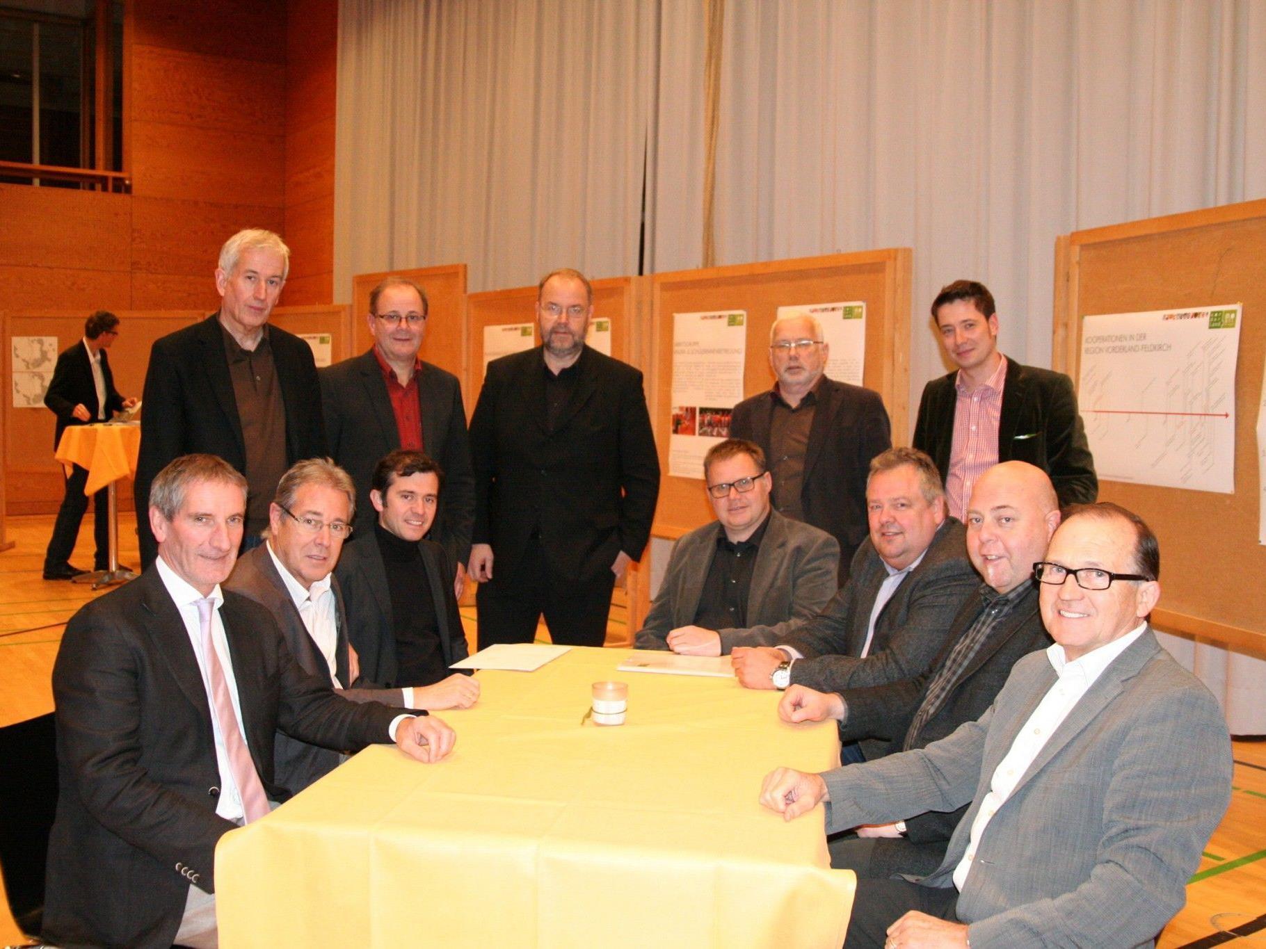 Die Regio-Bürgermeister mit dem neuen Geschäftsführer Christoph Kirchengast.