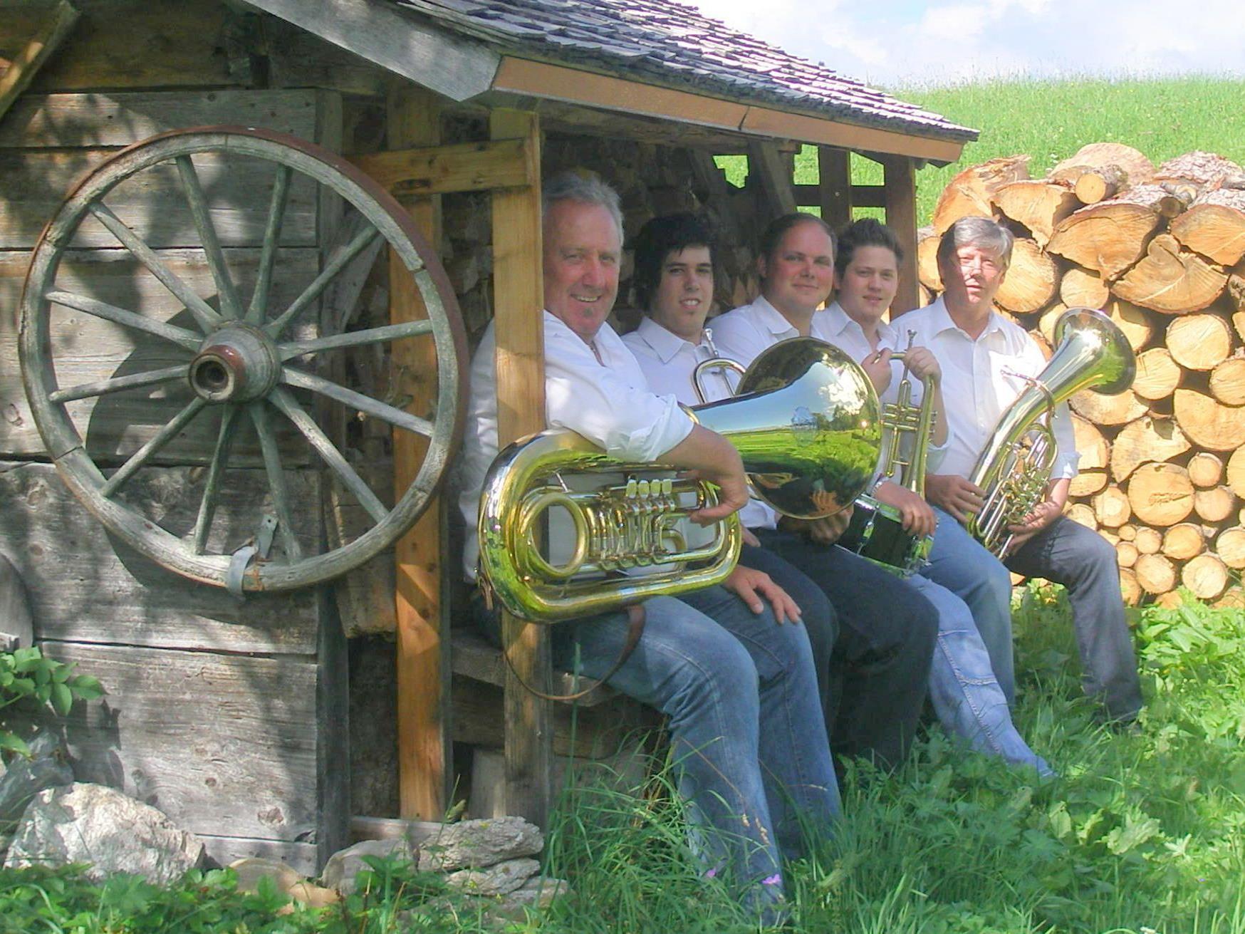 vlnr.: Konrad Fritsche, Pascal Jenny, Lukas Huemer, Roché Jenny, Walter Jenny.
