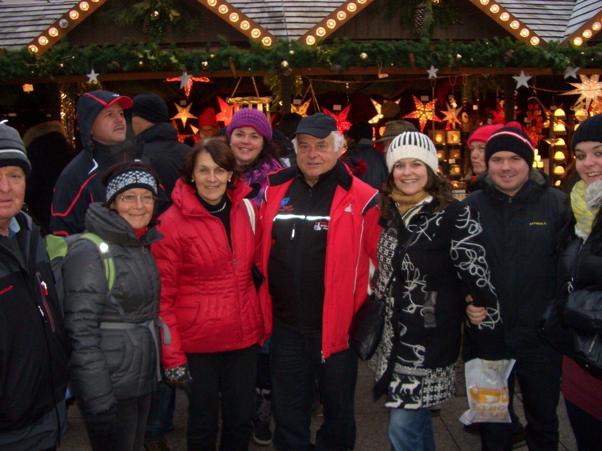 Rodelfunktionäre genossen den Ulmer Weihnachtsmarkt.