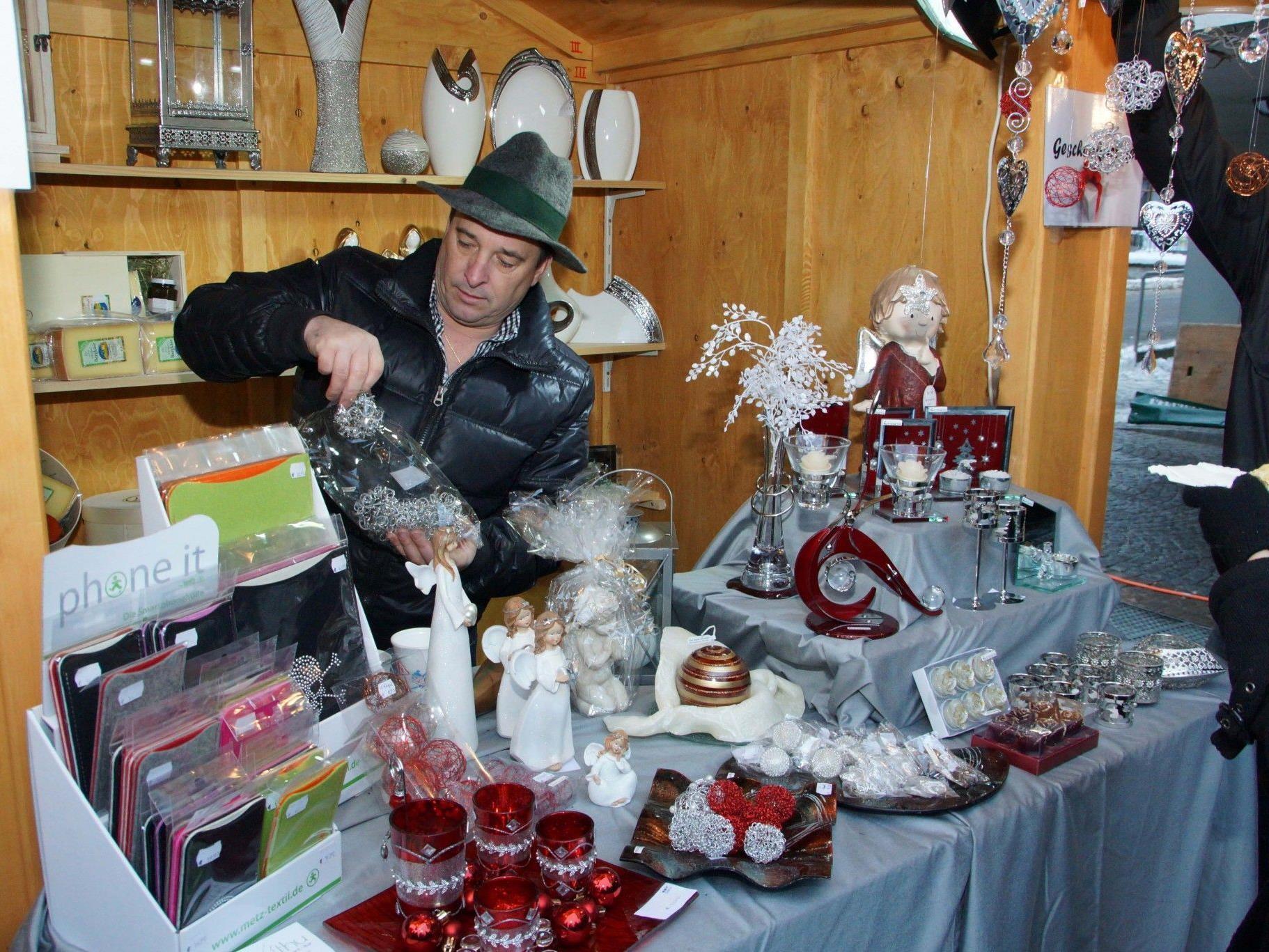 Kreative Geschenkideen präsentierte OEMV-Chef Christian Willi.