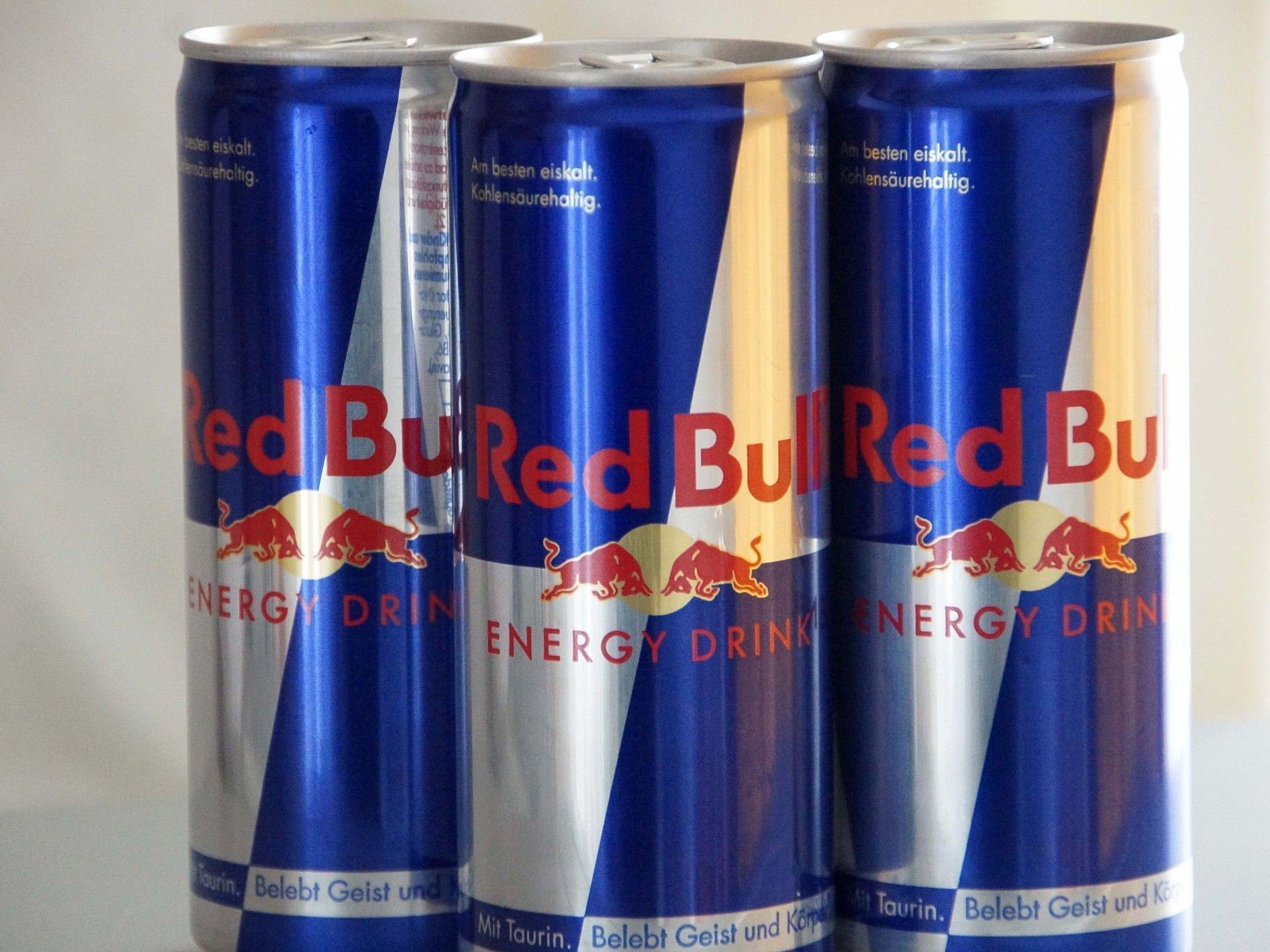 Täglich sieben Millionen Red Bull Dosen verlassen das Rexam Werk zur Befüllung.